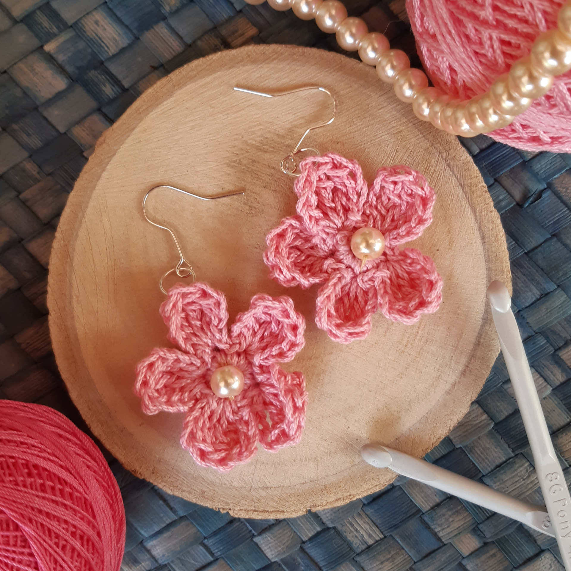 Picture of Pearly Passions in pink crochet earring