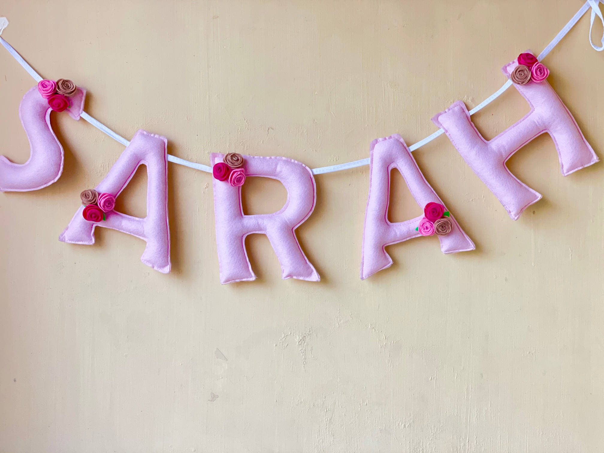 Picture of Roses Name Bunting