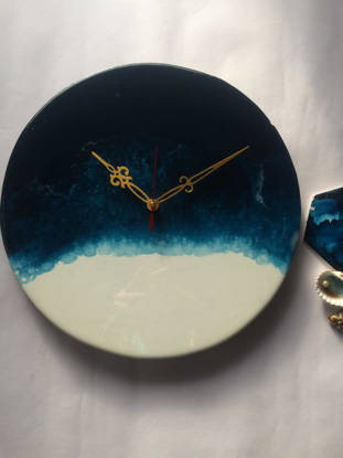 Picture of Blue and White Resin Wall Clock