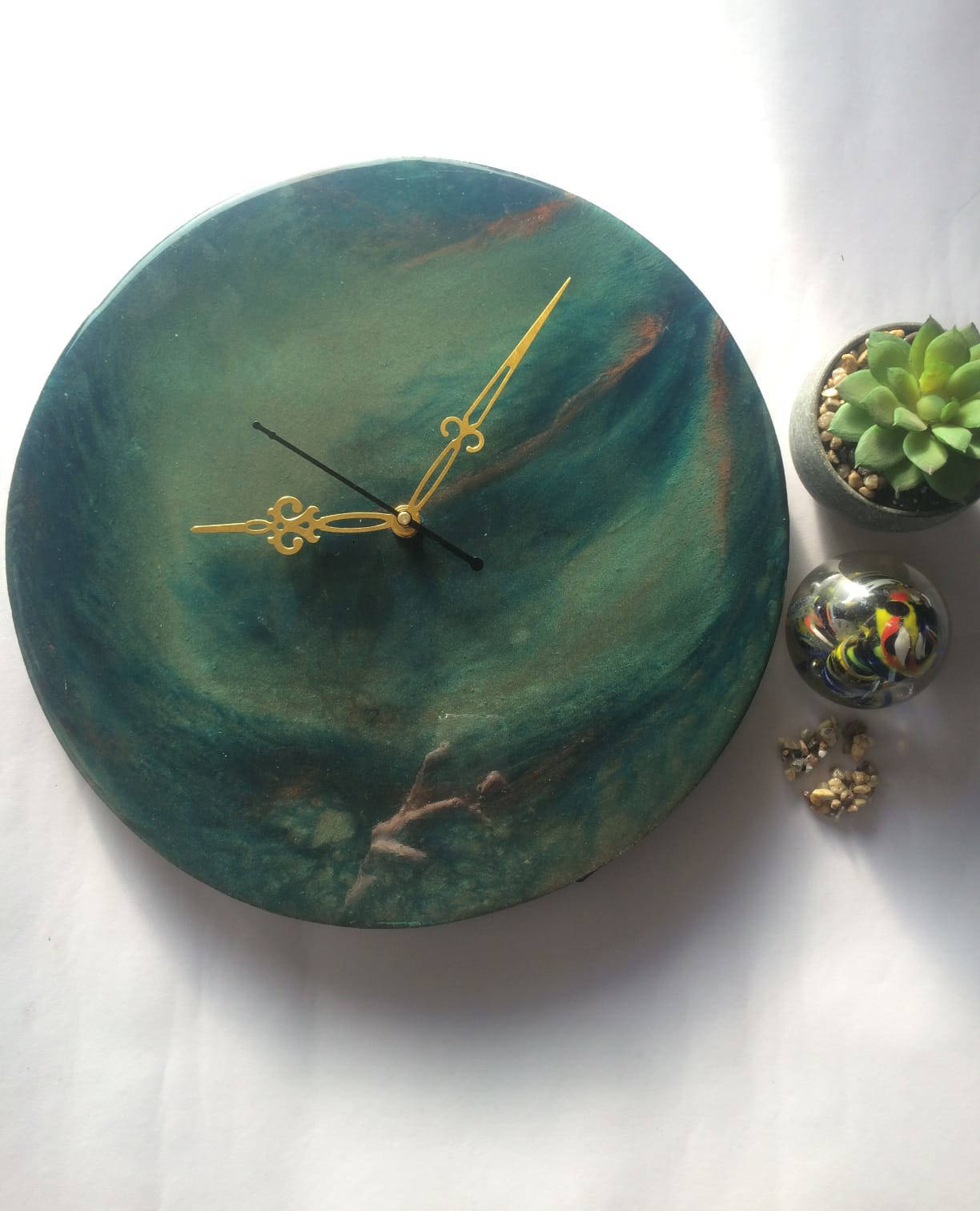 Picture of Green Resin Wall Clock