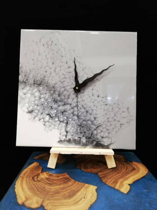 Picture of White Resin Wall Clock